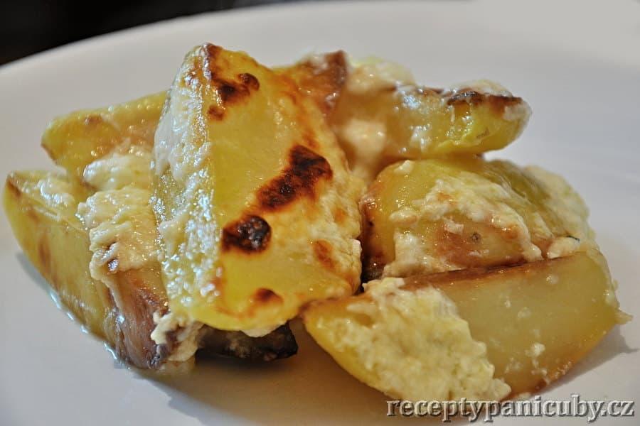 Zapečené brambory se sýrovou omáčkou - olé