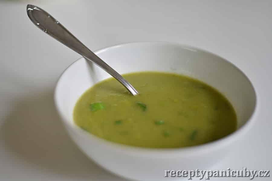Pórková polévka - zelená pórková krasavice je na světě
