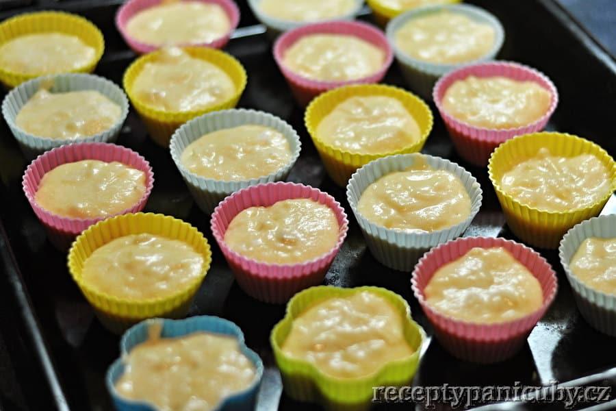 Banánové muffiny - nakladlo do mističek