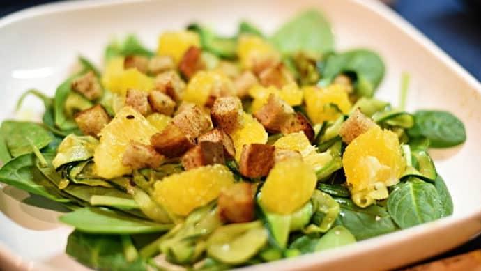 Cuketový salát s pomerančem