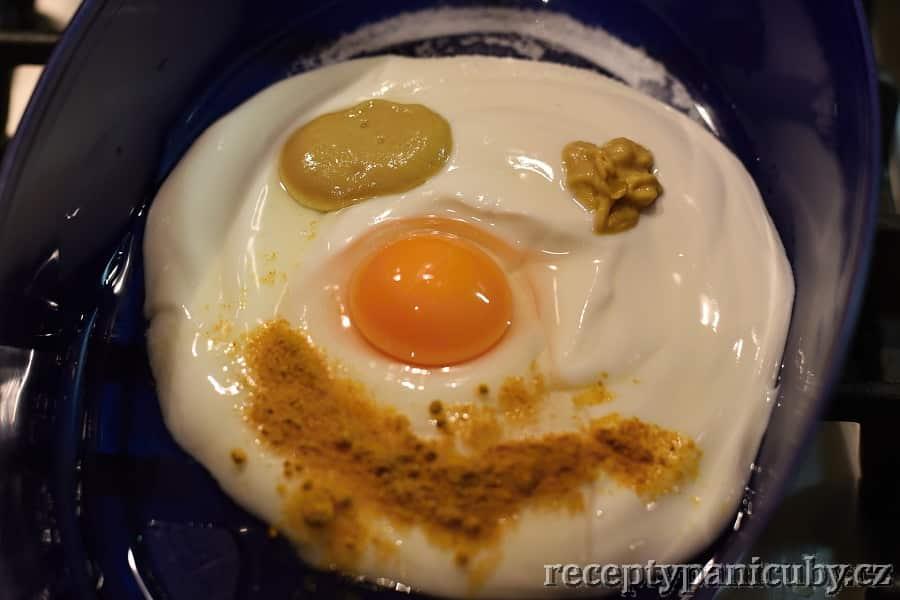 Kuřecí prsa v jogurtové marinádě - marináda