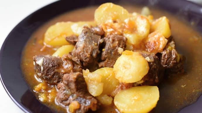 Pečené hovězí s bramborem a sýrem