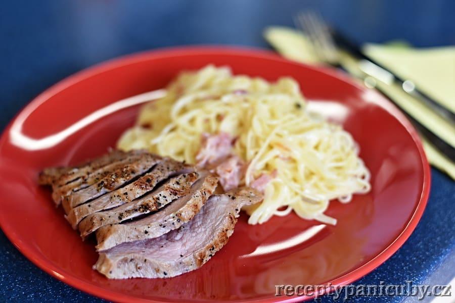 Telecí pečeně na másle - podáváme s něčím dobrým, např. těstovinami