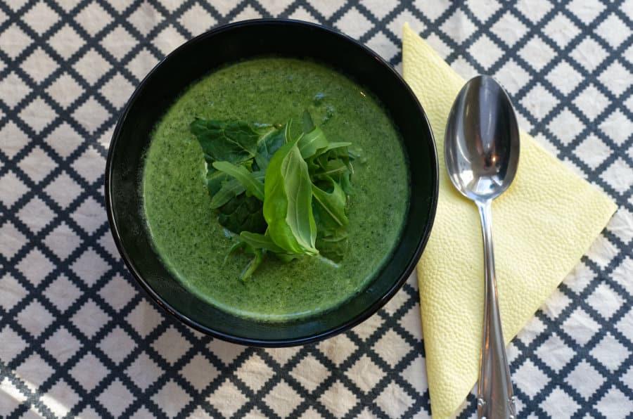 Hlavní fotka k receptu Krémová špenátová polévka s rukolou a bazalkou