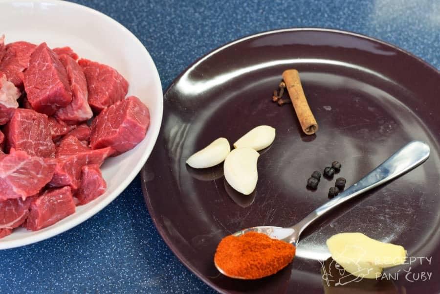 Dušené hovězí v koření - připravíme si koření