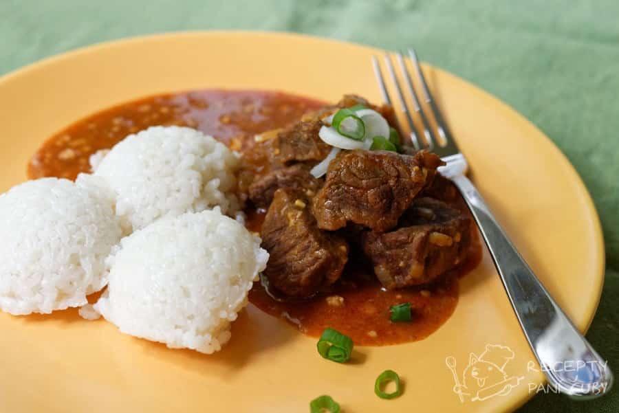 Dušené hovězí v koření - podáváme s rýží nebo vlastně s čímkoliv, co máte rádi