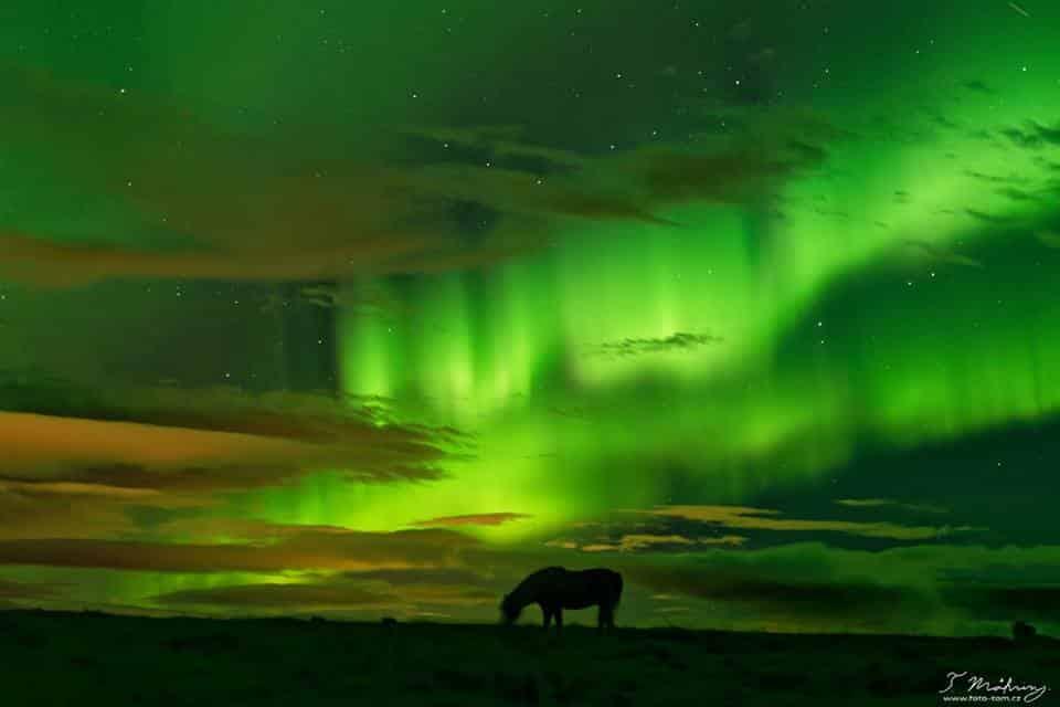 Island - nádherná polární záře