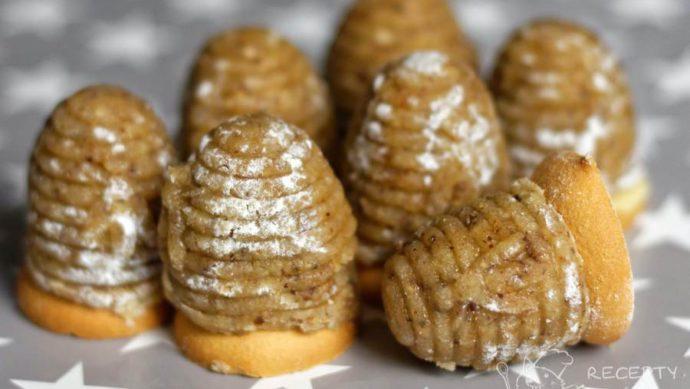 Oříšková vosí hnízda - vánoční miláčkové