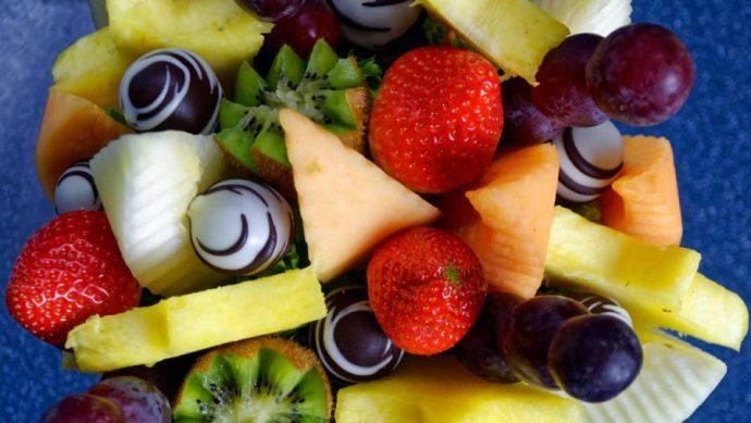Ovocná kytka - čekejte krásně naaranžované ovoce