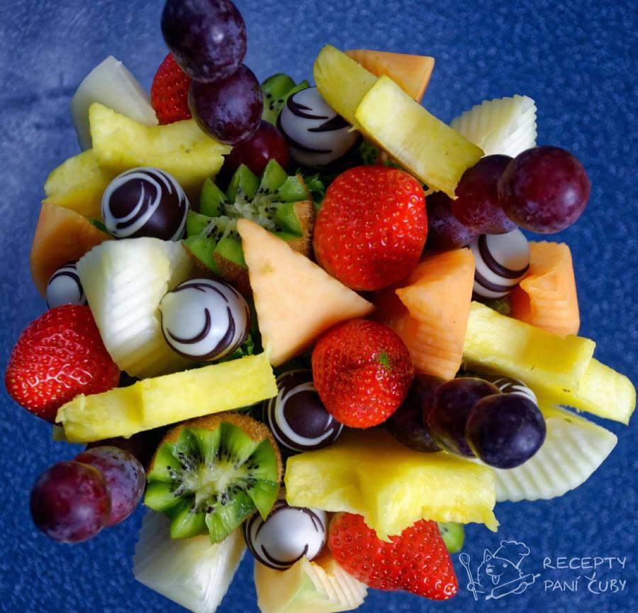 Ovocná kytice - čekejte krásně naaranžované ovoce