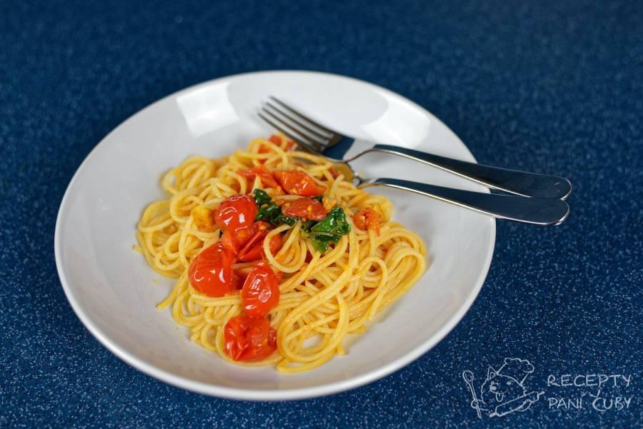 Špagety s rajčaty - servírujeme jen tak či s parmezánem