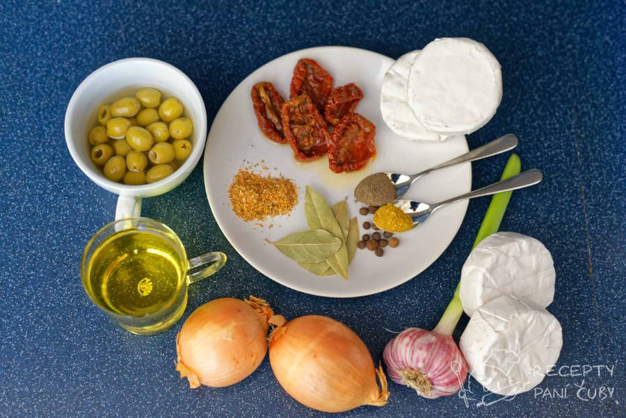 Nakládaný hermelín s olivami a sušenými rajčaty - jdeme na to