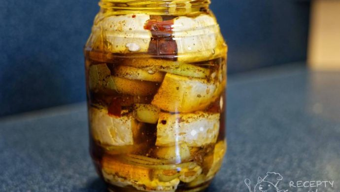 Nakládaný hermelín s olivami a sušenými rajčaty - grand finale