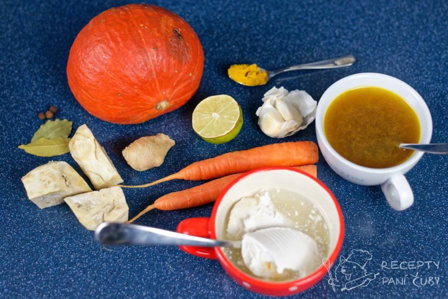 Dýňová polévka s kokosovým mlékem - připravme si ingredience