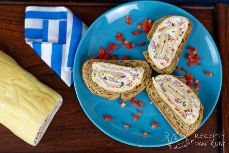 Hlavní fotka k receptu Jednoduchá sýrová roláda paní Čuby