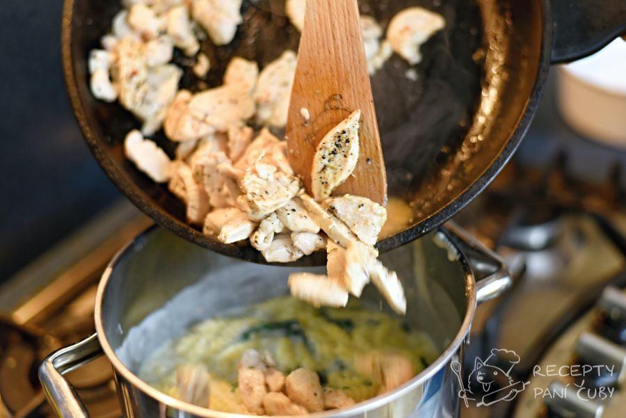 Zapečené těstoviny s medvědím česnekem - přidáme kuřecí maso