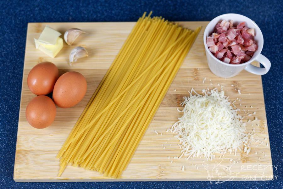 Spaghetti carbonara - suroviny pokopě