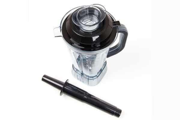 Stěny nádoby jsou vyrobeny z tritanu, speciálního odlehčeného zdravotně nezávadného (BPA free) a hlavně vysoce odolného materiálu