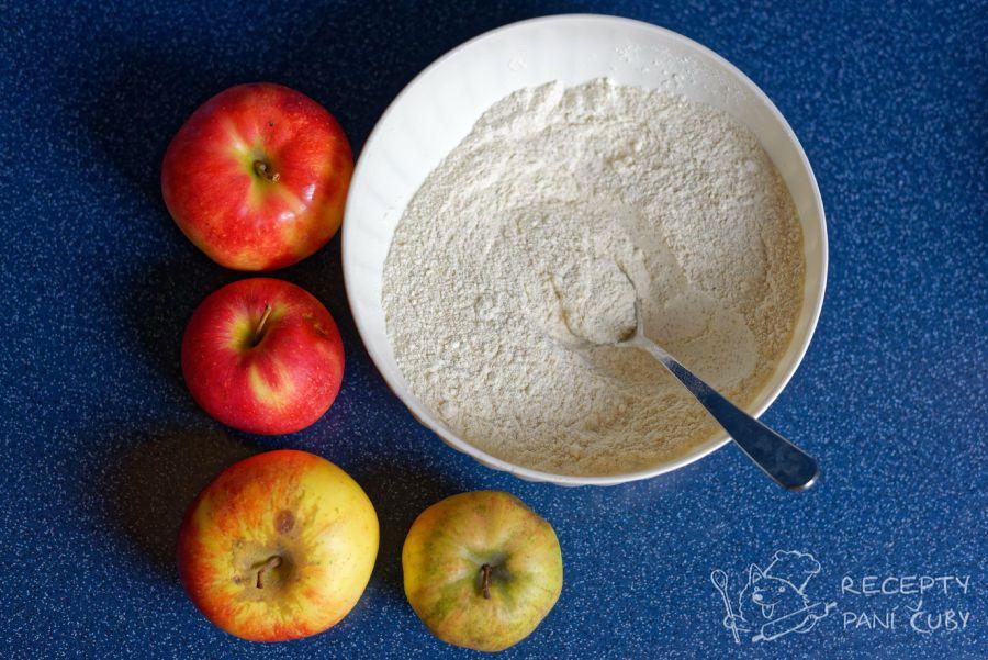 Jablečný koláč bez vajec - pár surovin a dobrota je na světě