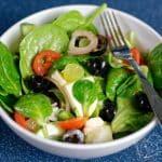 Zeleninový salát s hroznovým vínem