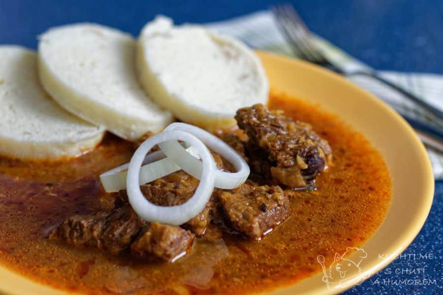 Hlavní fotka k receptu Hovězí guláš s povidly