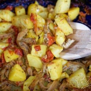 Zapečené dršťky s bramborami