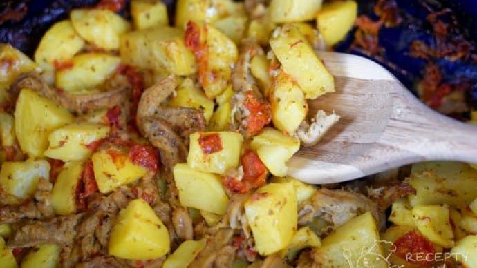 Zapečené dršťky s bramborem - pečeme