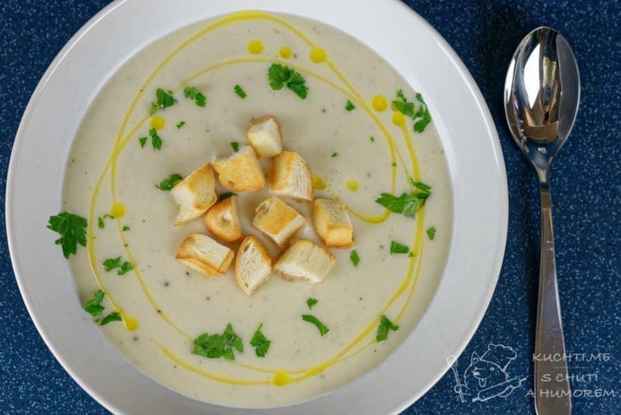 Hlavní fotka k receptu Krémová květáková polévka