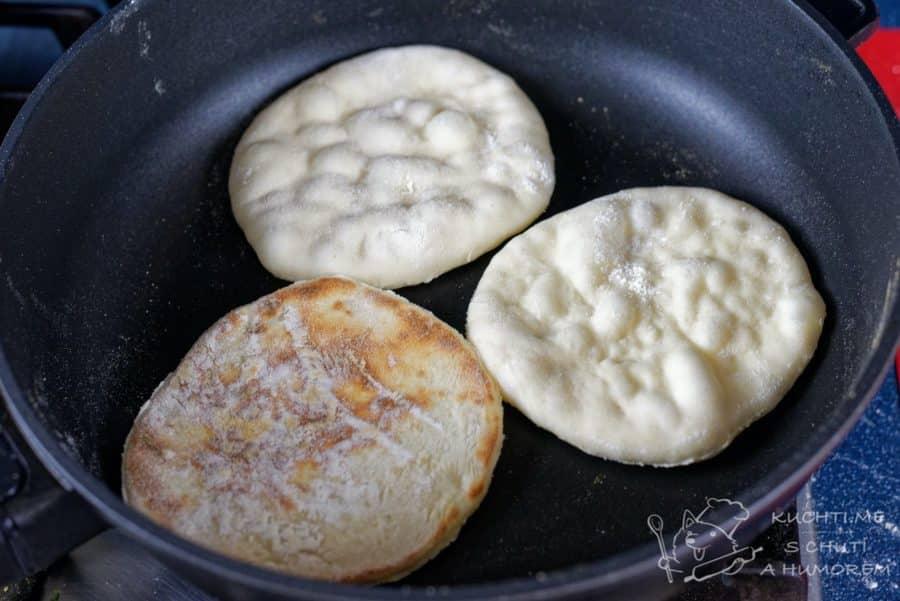 Jednoduchý pita chléb - pečeme v peci (?!)