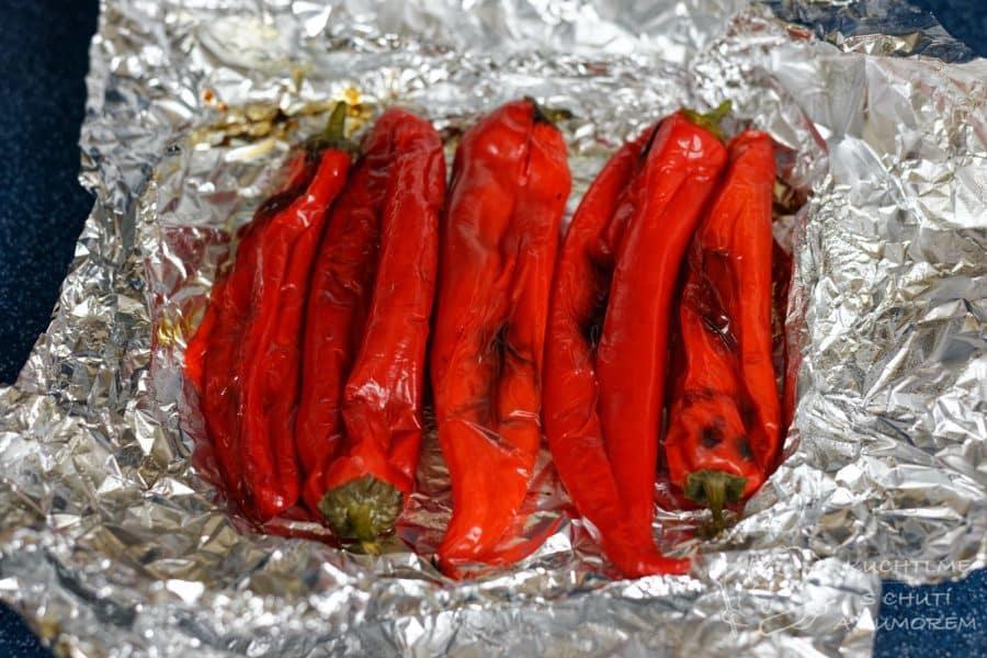 Pomazánka z pečených červených paprik - měly by být pěkně upečené