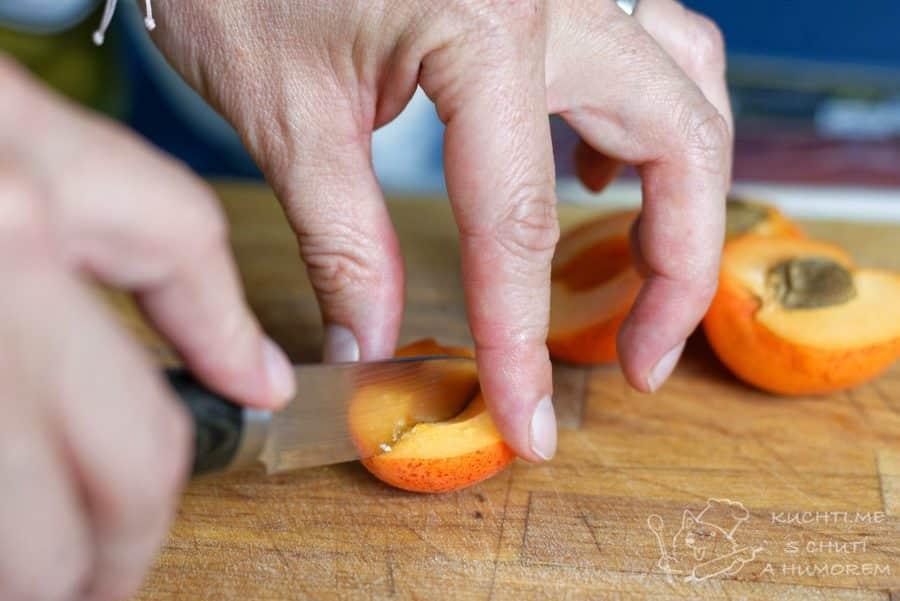Výborné španělské tapas s jamonem a meruňkou - připravíme si meruňky