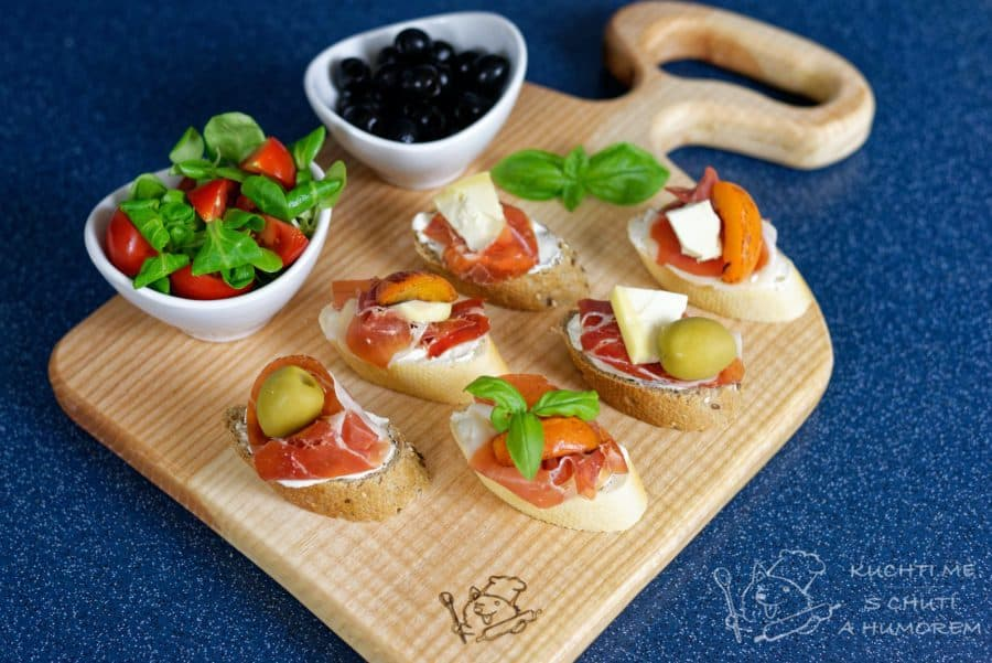 Hlavní fotka k receptu Výborné španělské tapas s jamonem a meruňkou