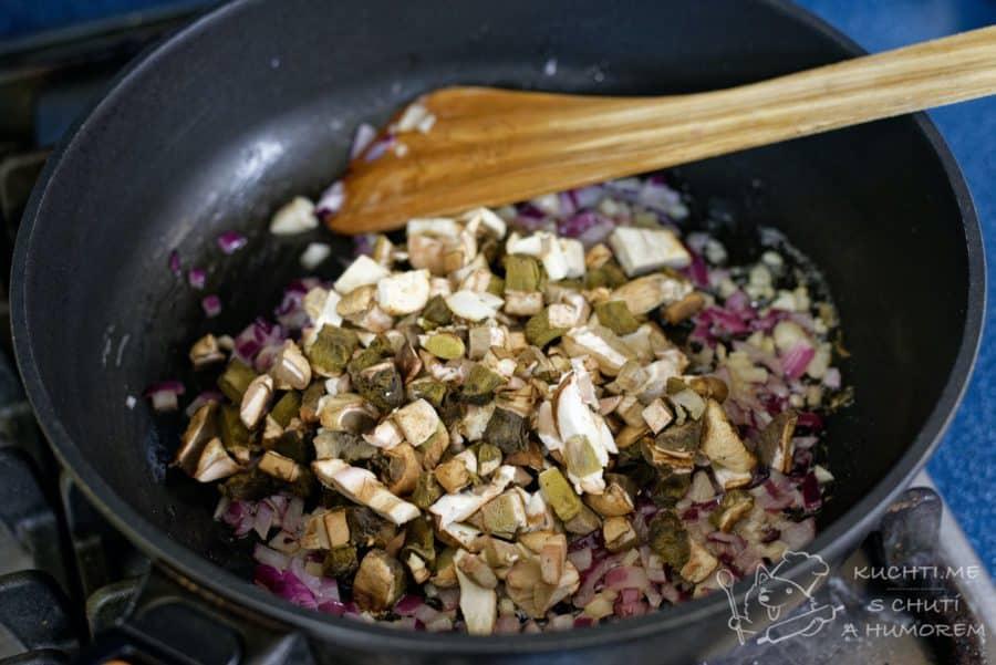 Houbové rizoto - přidáme houby