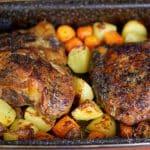 Křehká vepřová pečeně v mrkvi a bramborách