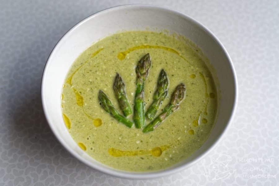 Hlavní fotka k receptu Chřestová polévka ochucená medvědím pestem