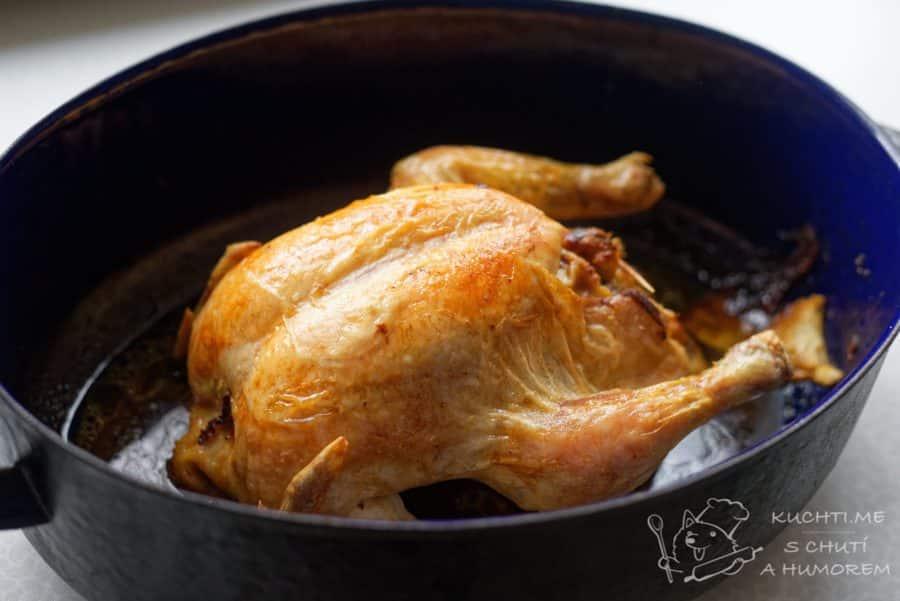Kuře s nádivkou z medvědího česneku - pečeme