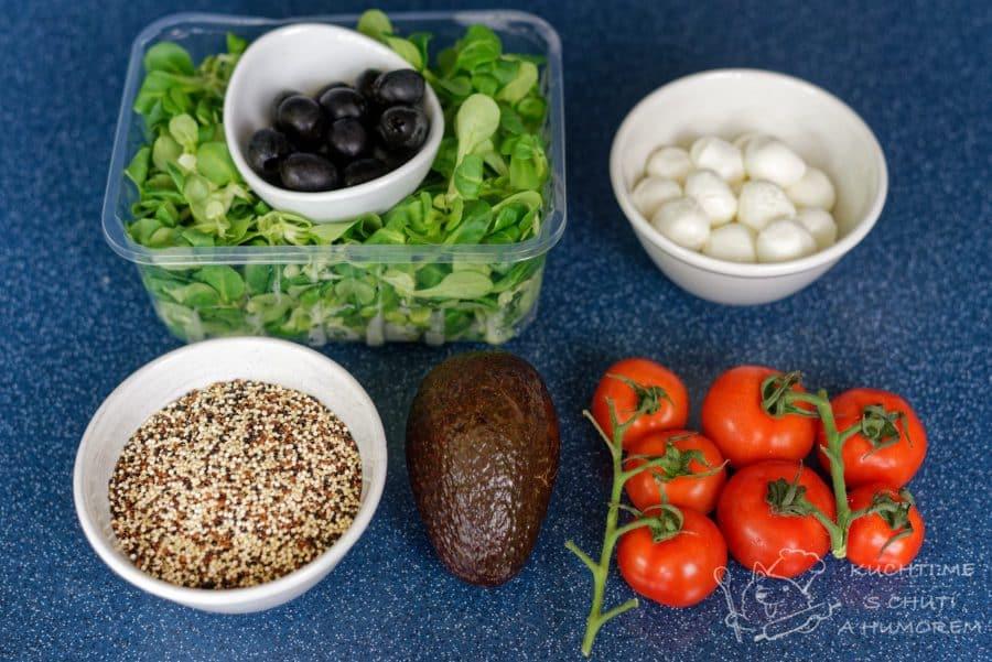 Salát s quinoou, mozzarellou, avokádem a černými olivami - ingredience