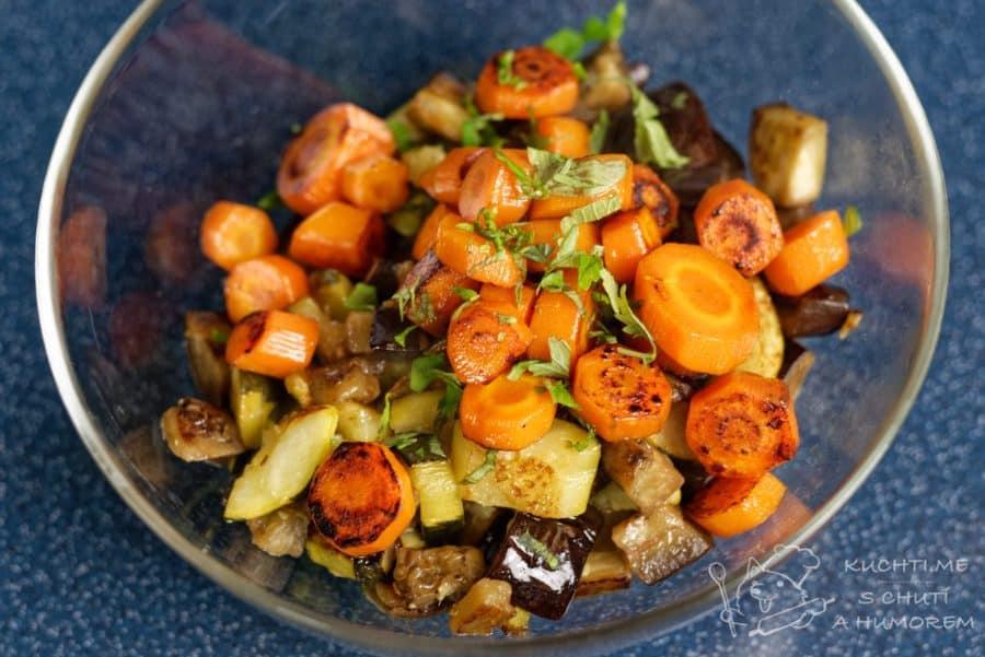Zelenina připravená metodou sous vide -  vše ještě zprudka opečeme na pánvi či grilu